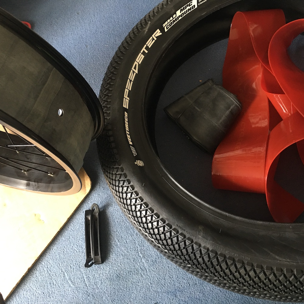 Mate-X Felge und Reifen